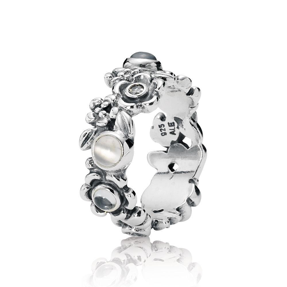 anello pandora con fiore